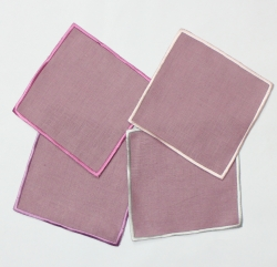 Color embroidered border napkin