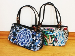 Beaded Floral Embroidery Shoulder Bag