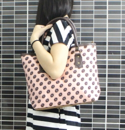 Polka dots synthetic leather beaded handbag
